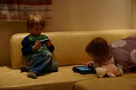 ninos tecnologia movil tablet peligros